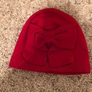 Red bow hat
